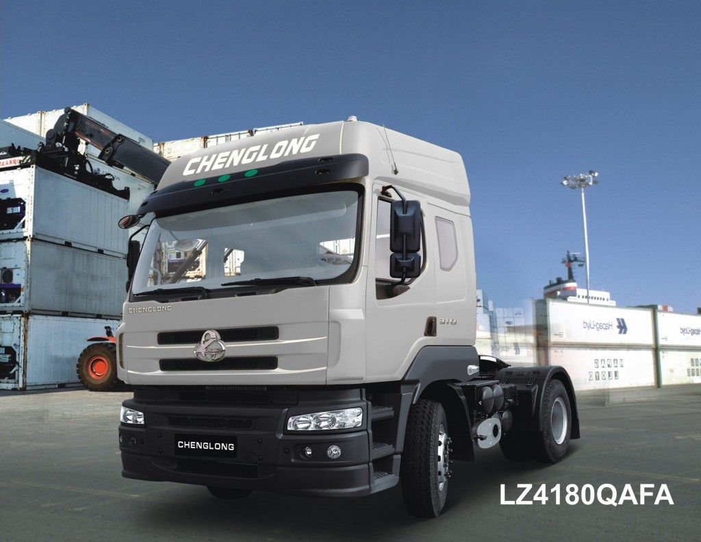 Xe-dau-keo-4x2-Chenglong-Dong-co-Yuchai-270HP-Model-LZ4180QAFA