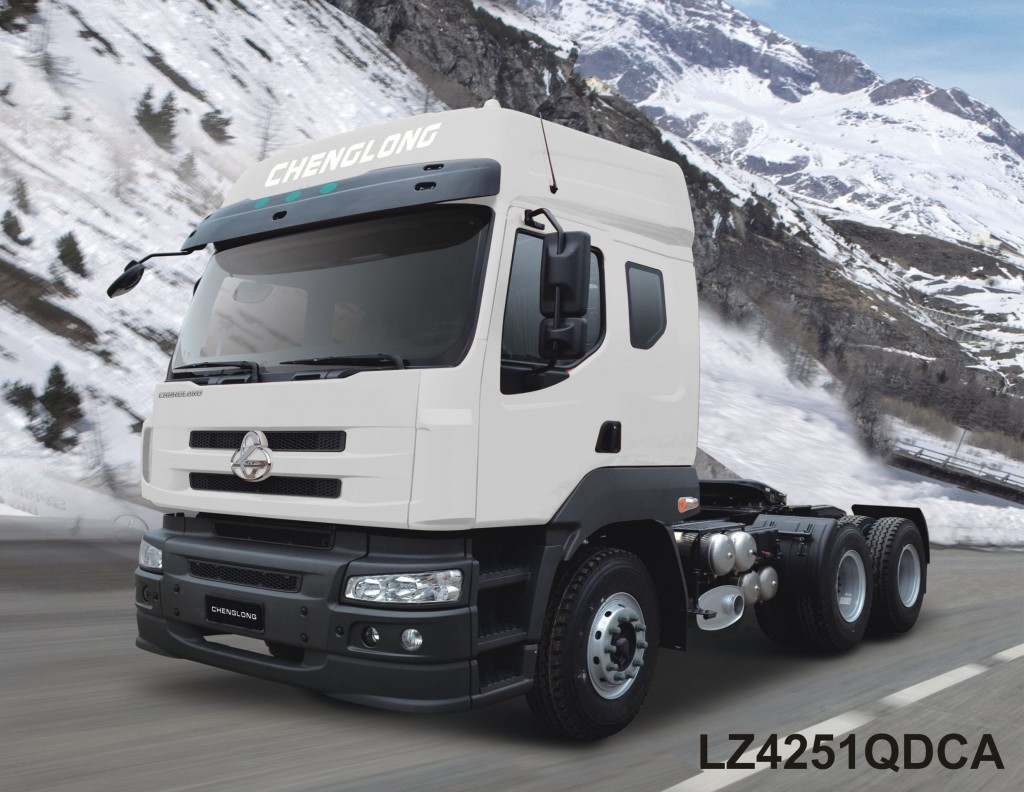Xe-dau-keo-6x4-ChengLong-Dong-co-Yuchai-400HP-Model-LZ4251QDCA